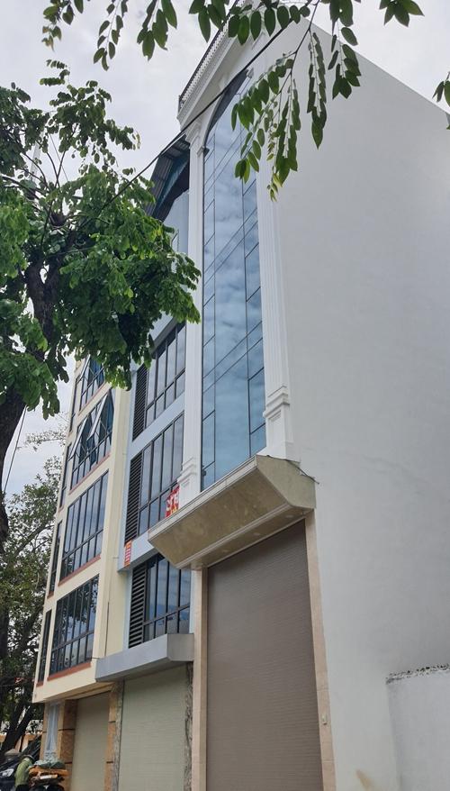 Bán nhà 5 tầng mặt đường Phạm Văn Đồng đoạn đi qua Xuân Đỉnh